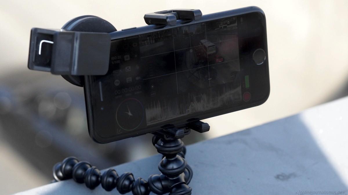 MAVIS auf einem iPhone7 mit variablem ND-Filter und flexiblem Stativ